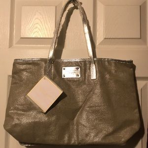 Handbags - Complimentary Michael Kors Tote Bag